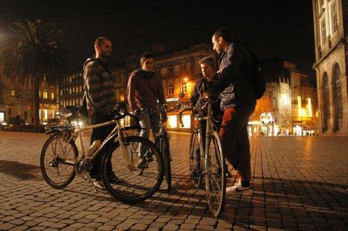 ciclistas urbanos do Porto