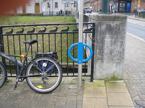 10 elementos a se considerar para implantar uma boa rede de estacionamentos para bicicletas na cidade