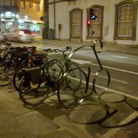 """bicicletários e... outros que """"tálios""""(!)"""