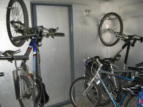 a minha bina no porão de carga do Porto-Vigo da CP, pois já não é vão, ou vêm, assim...