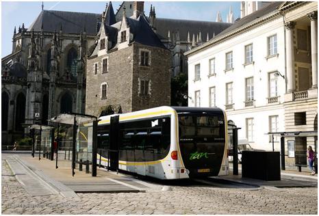 Figura 4 - Nantes, França. Fonte: http://www.transportphoto.net/cmtbrt.aspx?l=en&cmtc=Nantes