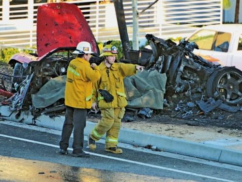 Figura 1 - A morte anunciada. Fonte: http://g1.globo.com/pop-arte/cinema/noticia/2013/12/porsche-alertou-sobre-velocidade-de-carro-de-paul-walker-diz-site.html