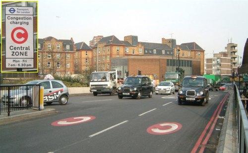 Figura 1 - Londres. Fonte: http://en.wikipedia.org/wiki/File:London_Congestion_Charge,_Old_Street,_England.jpg