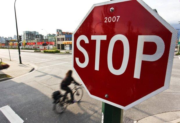 BikevsBike Photo David Niddrie