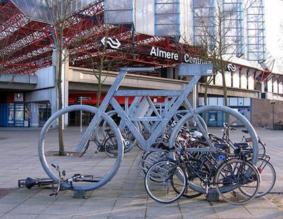 Figura 1 - Estação central de Almere.  Fonte: Http://Www.Skyscrapercity.Com/Showthread.Php?T=426671