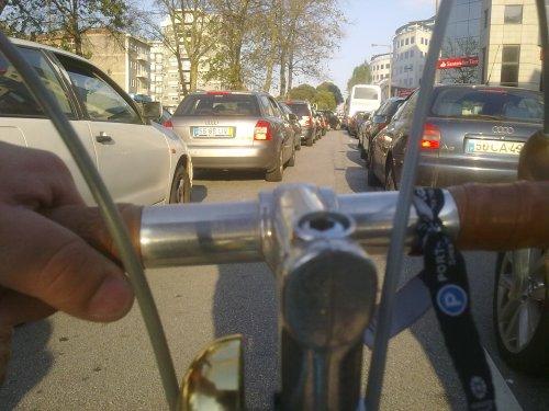 hoje, a fintar o trânsito