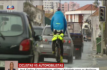 Dois ciclistas decidem gravar o comportamento dos automobilistas