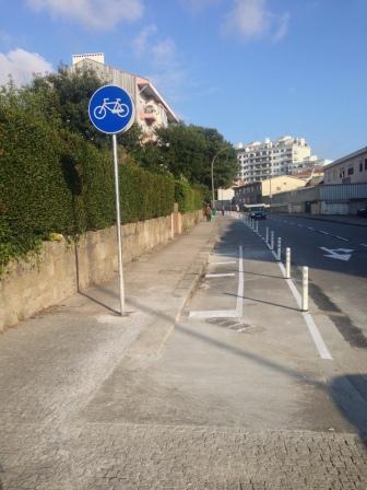 Ligação pelo passeio da ciclovia da Prelada à nova via ciclável
